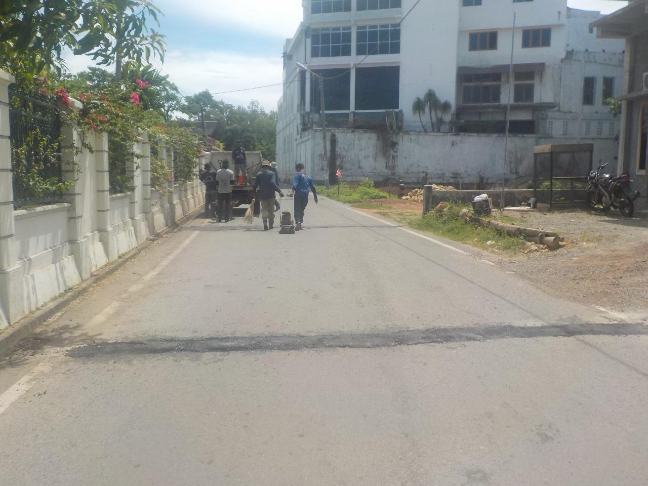 Patching Jalan Cot Mesjid 6